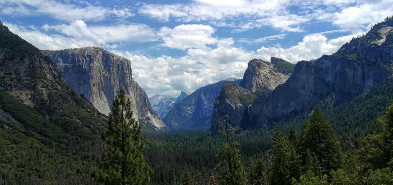 Blick ins Yosemite Tal vom Tunnel View aus