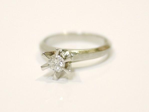 ダイヤモンド:0.24ct/Pt900:4.50g リング
