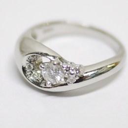 ダイヤモンド:0.33ct/Pt900:7.53g リング