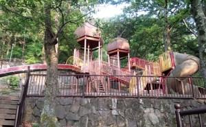 東大阪 東部 枚岡公園跡 みんなの広場 芝生公園