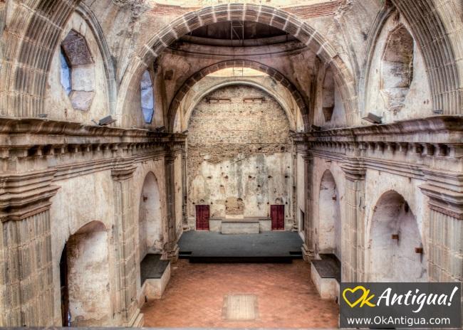 capuchinas church nave from choir area