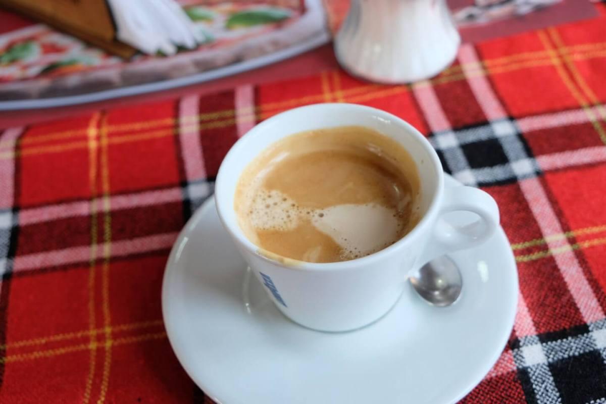 コプリフシティツァ レストランで注文したコーヒー