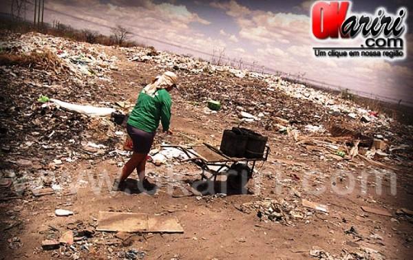 Vista do lixão de Milagres, para ver mais fotos e matéria clique aqui |Fotos: Wendell Fernandes |Agência OKariri
