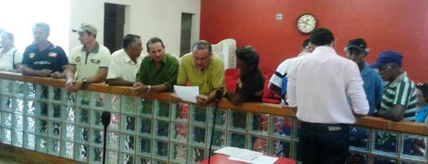 Agricultores sendo atendidos   Foto: Divulgação