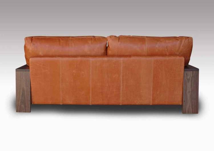 オイルレザーソファーの背面写真です
