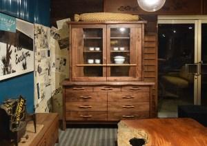 大川家具 ウォールナット食器棚