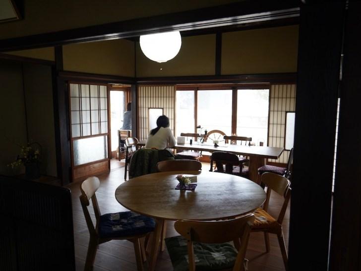 【茂登田】テーブル席
