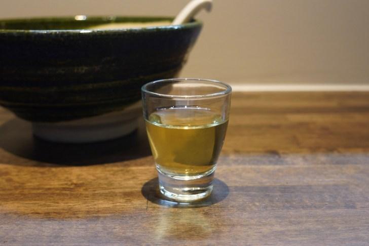 【2代目麺処くるり】食後のジャスミン茶