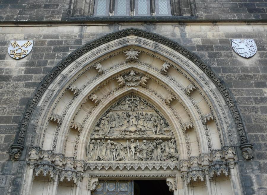 Wejście do Bazyliki św. Piotra i Pawła - Wyszehrad