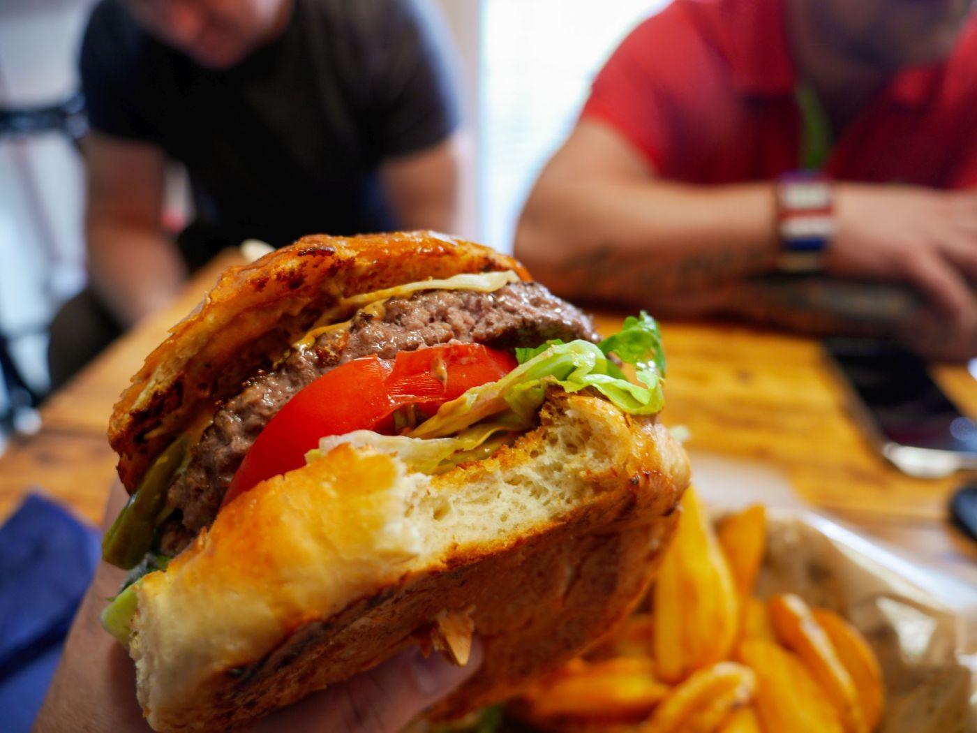 Wyspa Uranosa - Burger