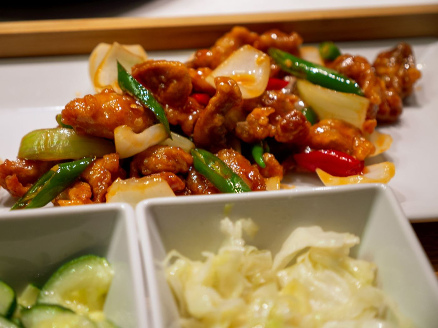 Jinling Dumpling -  Zestaw Kurczak Generała Tso