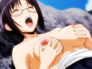 【エロアニメ】ビーチで義妹やお姉さんたちとハーレムセックス!野外なのに全裸になって大乱交しちゃいます。