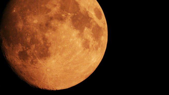 Luna de sangre Por qu vemos la Luna de color rojo