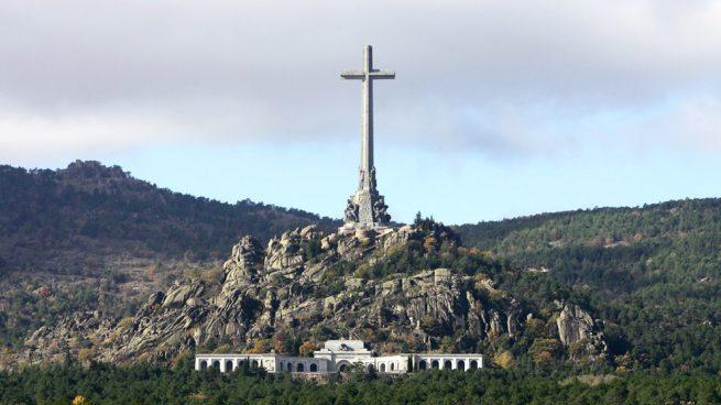 Los Franco entregan al Abad del Valle de los Cados el