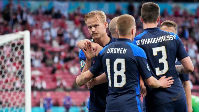 Finlandia sorprende a Dinamarca en su estreno en la Eurocopa 2021 tras el  susto de Eriksen