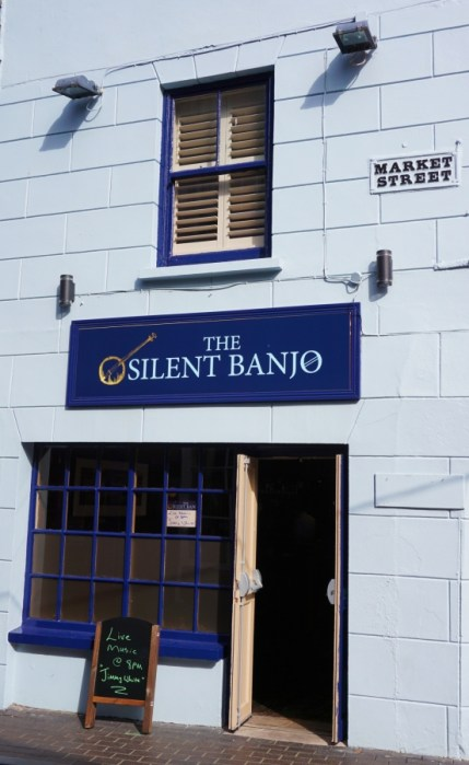 The Silent Banjo, Kinsale, traditional live music.