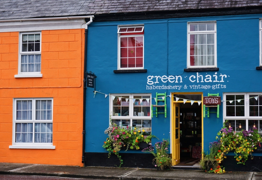 Picturesque shop fronts in tidy town winner Sneem.