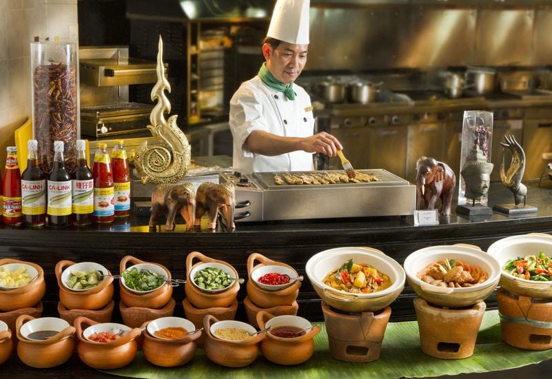龍蝦‧泰滋味自助晚餐 / Lobster Meets Thai Dinner Buffet @ Café Aficionado – Regal Airport Hotel - OKiBook Hong Kong & Macau ...