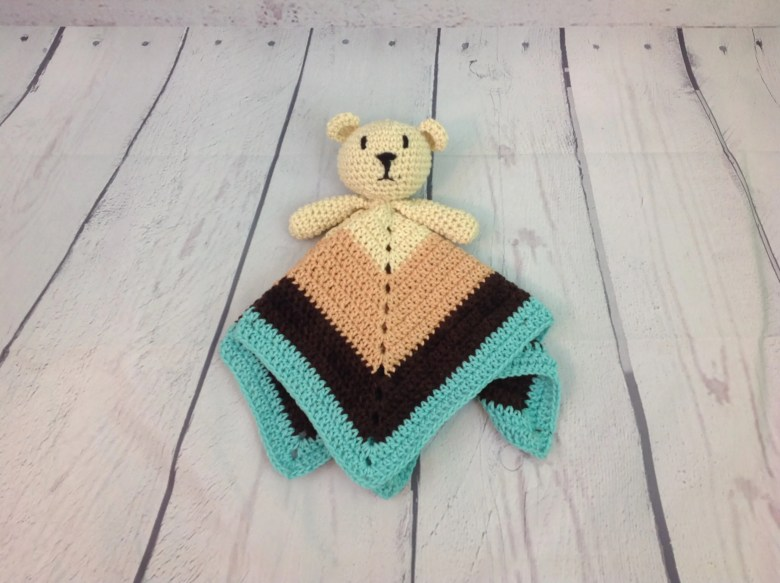 Crochet teddy bear FREE PATTERN - KNITTED STORY BEARS | 583x780
