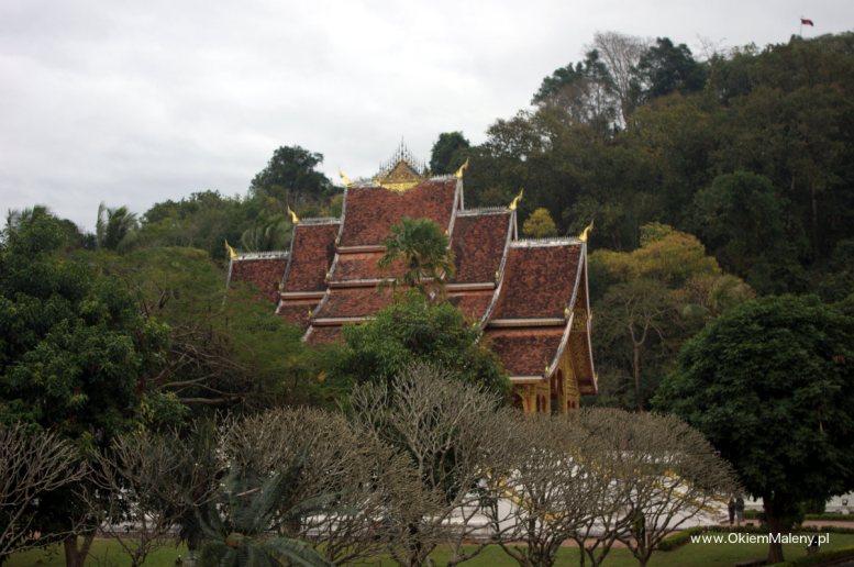 Haw Pha Bang - typowe dla architektury laotańskiej zdobienie środkowej części dachu