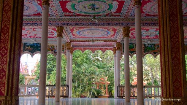 przecudnie malowana świątynia