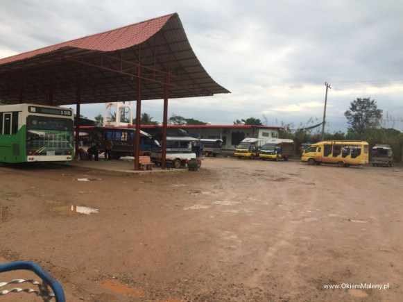 stacja autobusowa, Laos