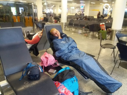 koczowanie na lotnisku