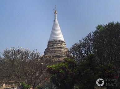 iglica jednej z pagód, Bagan, Birma