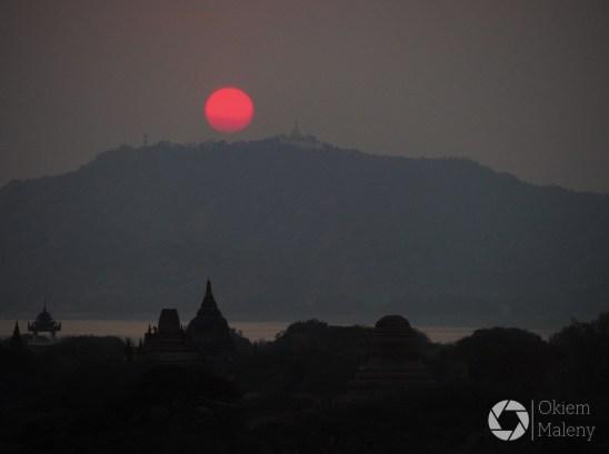 zachod słońca ze Shwesandaw Paya