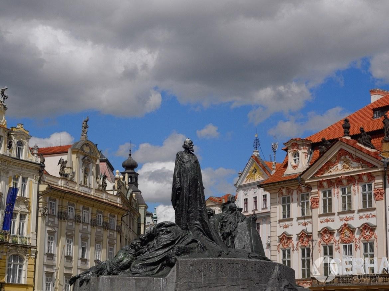 Praga, rynek staromiejski, pomnik J. Husa