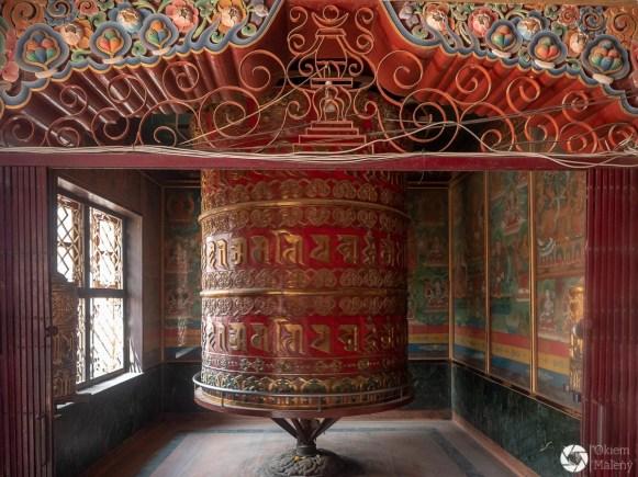 Buddhanath - mały Tybet, Katmandu, Nepal, młynek modlitewny