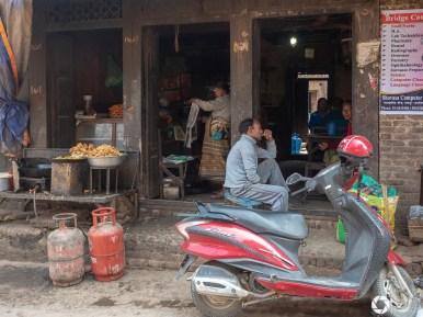 Bhaktapur uliczne życie