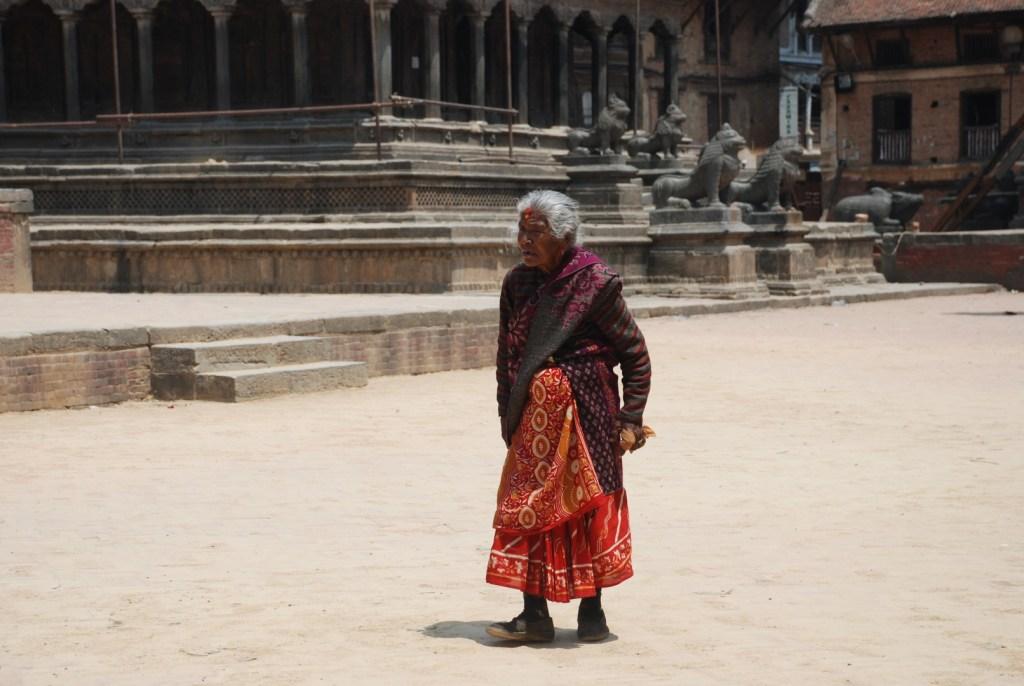 Nepalka na Placu Durbar, Patan, Dolina Kathmandu. Fot.Edyta Stępczak