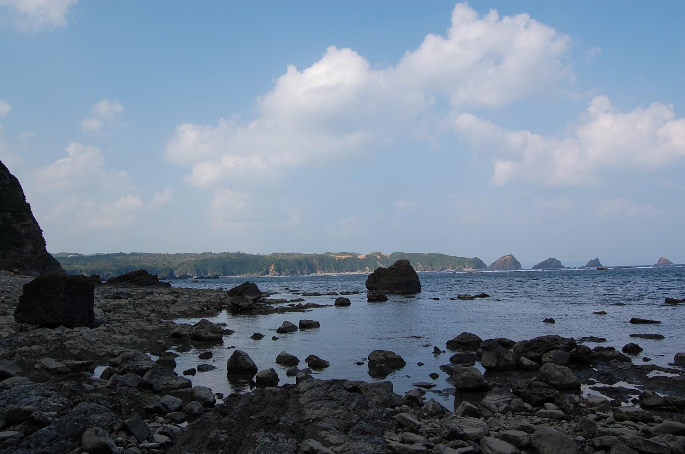 Fold of the Kayo Formation l Okinawa Hai!