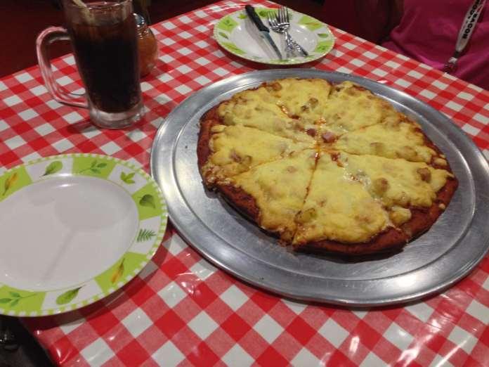 American Pizzaman | Okinawa Hai!