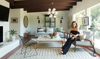 Our Chic Makeover For Sophia Bush S L A Cottage