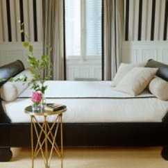 Daybed In Living Room Ideas Color Schemes With Dark Brown Furniture Decorating A Your Essential Guide Seven Dreamy Ways To Use