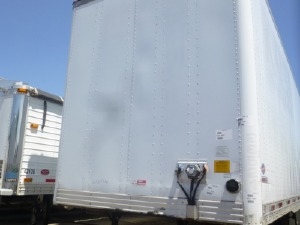 US Trailer Rental Sales Lease and Storage Buys Rents and Repairs All Commercial Trailers Reefers Flatbeds and Dry Vans image_20171206_043859_208