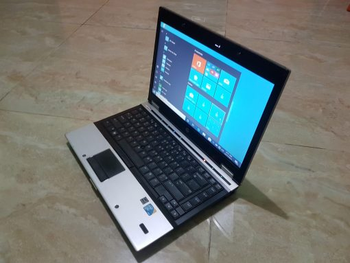 Slightly used HP Elite boo 8440q laptop for sale in Accra Ghana
