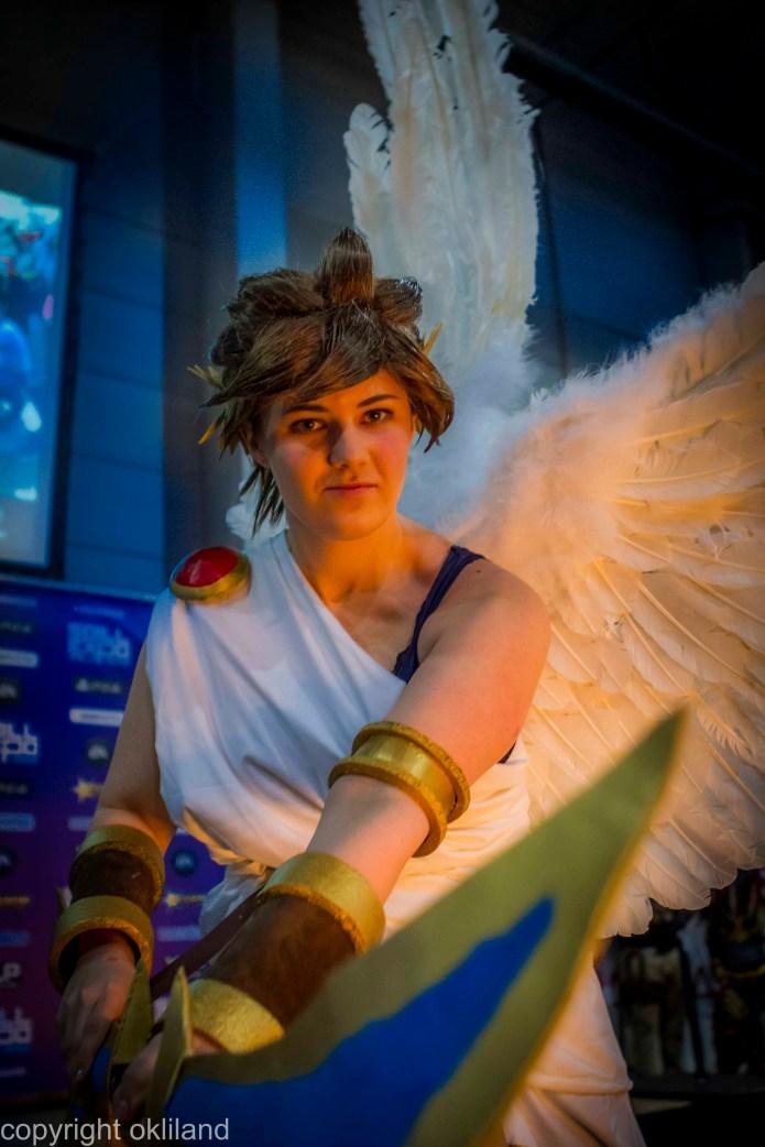 Bilde fra spillexpo i Lillestrøm cosplay kid icarus