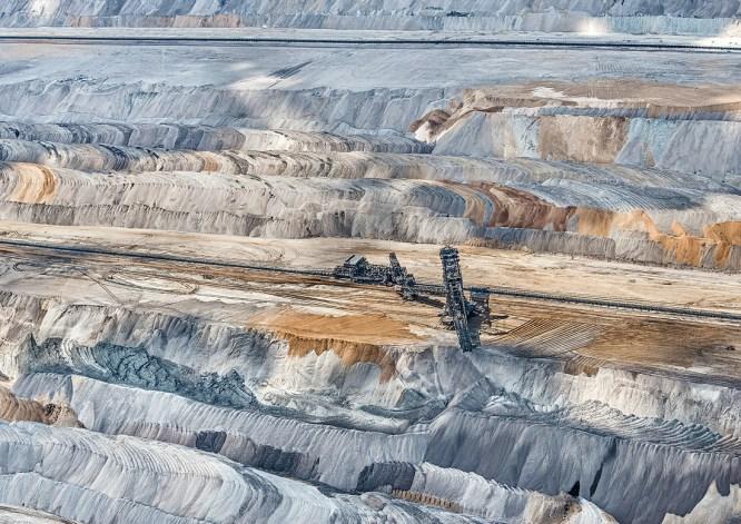 AV_Coal_Mine002