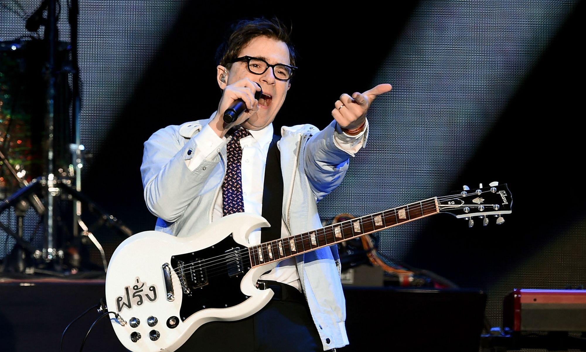 Vocalista do Weezer coloca mais de 2 mil demos à venda
