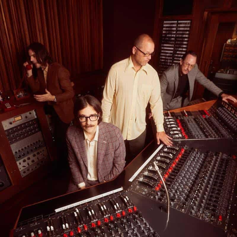 Weezer promete álbum sem guitarra elétrica