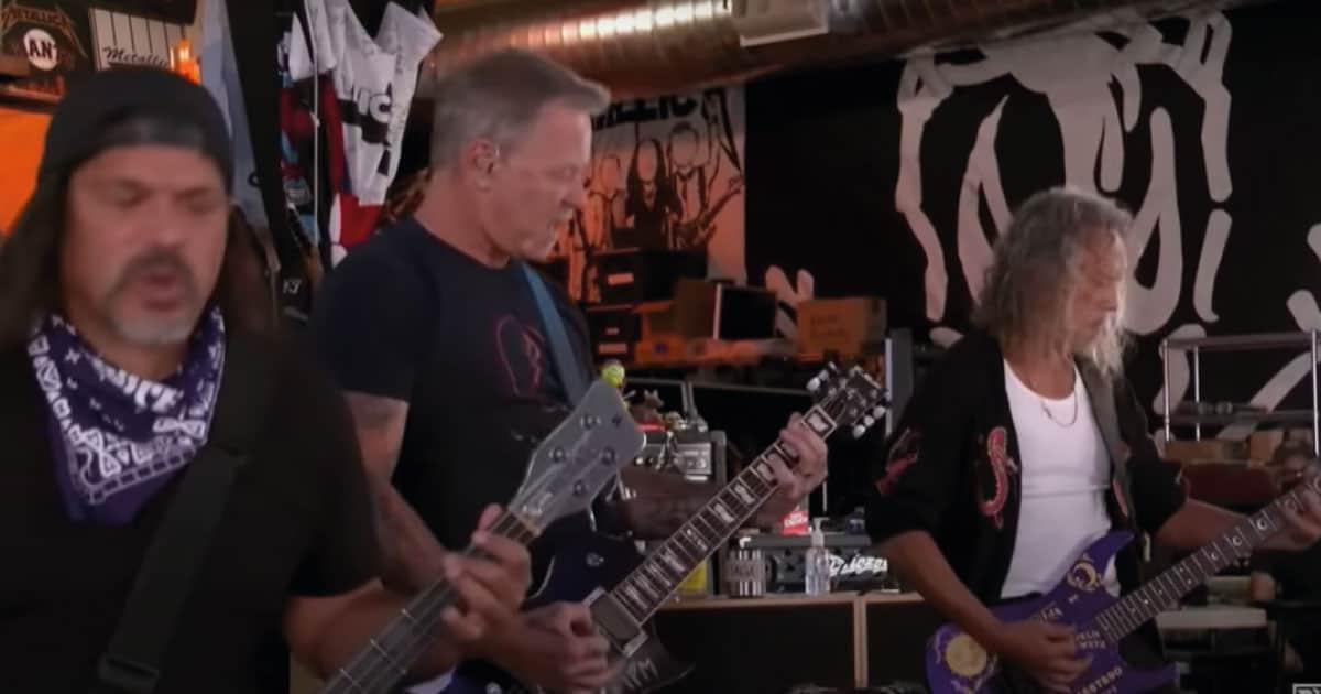 Metallica tem música substituída em apresentação online