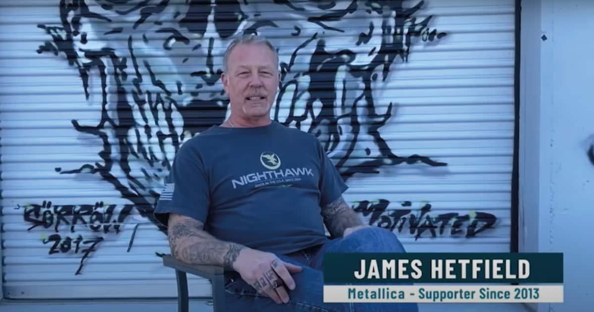 """""""A música salvou minha vida"""", diz James Hetfield em evento para crianças"""