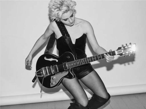 Conheça a cantora, compositora e guitarrista francesa Alice Animal