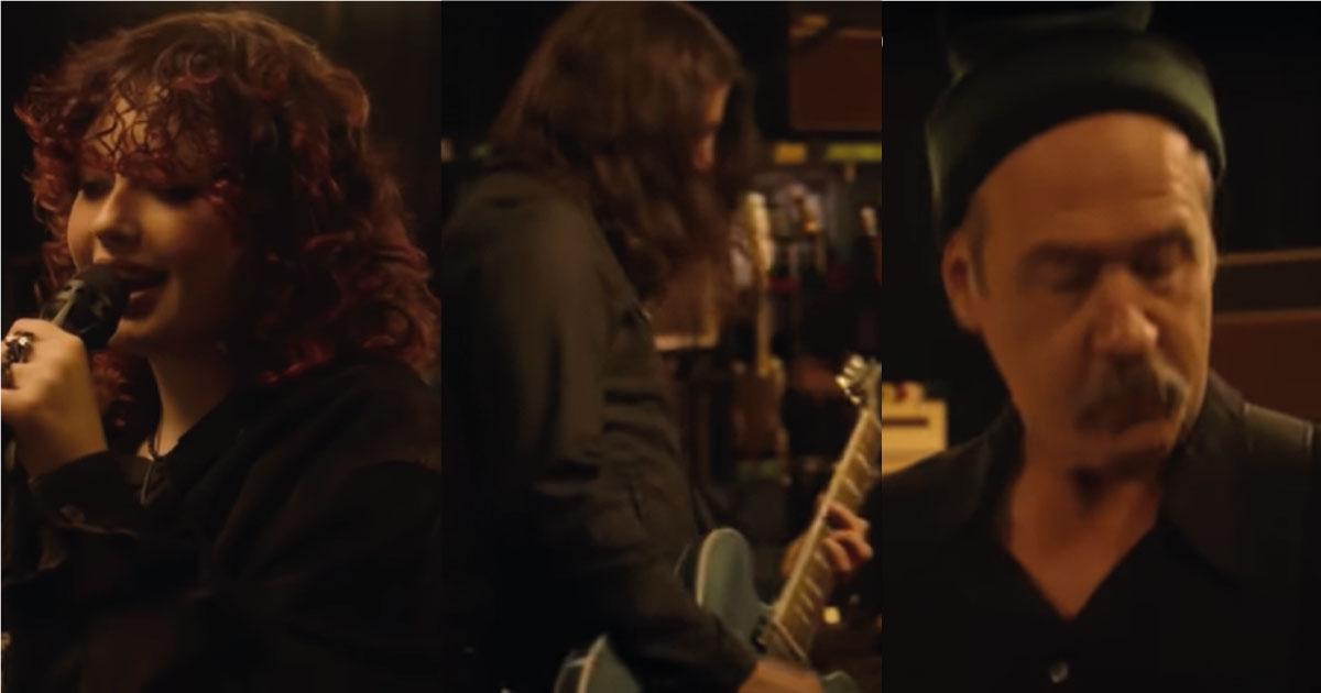 Dave Grohl, sua filha e Krist Novoselic tocam ao vivo na TV