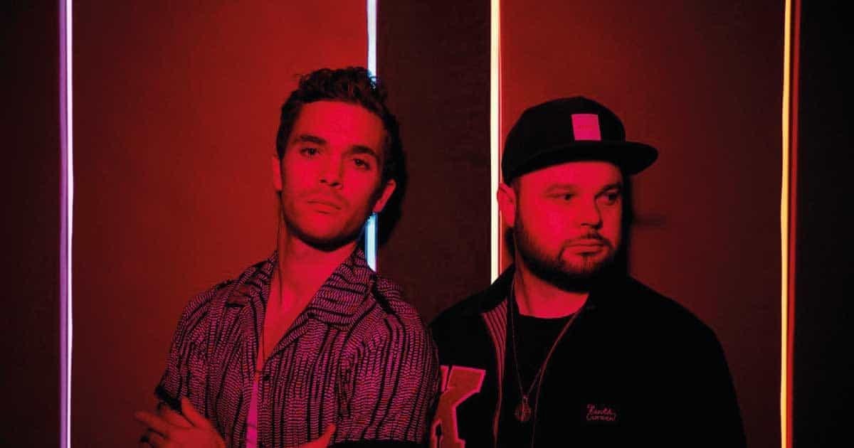 "O Royal Blood lança ""Boilermaker"", música produzida Josh Homme"