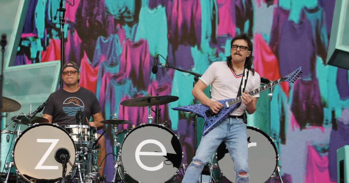 "Weezer disponibiliza versão ao vivo de ""All My Favorite Songs"""