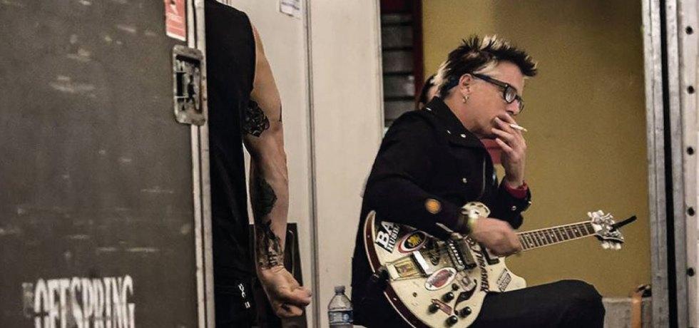 """""""A verdade não importa para essas pessoas"""", diz guitarrista do Offspring sobre apoiadores de Donald Trump"""